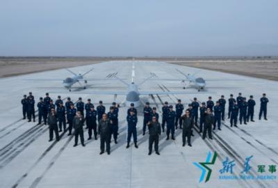 """""""老飞""""正当年——大家眼中的空军无人机飞行员李浩"""