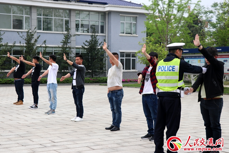 常德交警直属一大队组织新聘协警开展入职前培训工