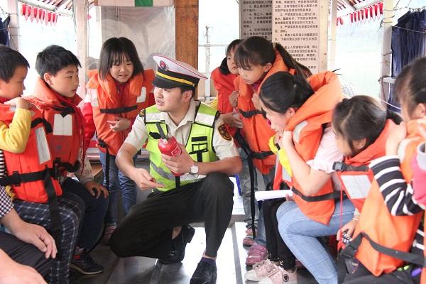 大足:水上交通安全宣传进校园