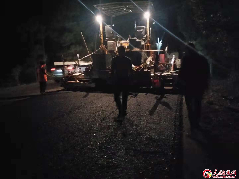 江西安福公路分局挑灯夜战  为保障工程如期完工努力奋斗