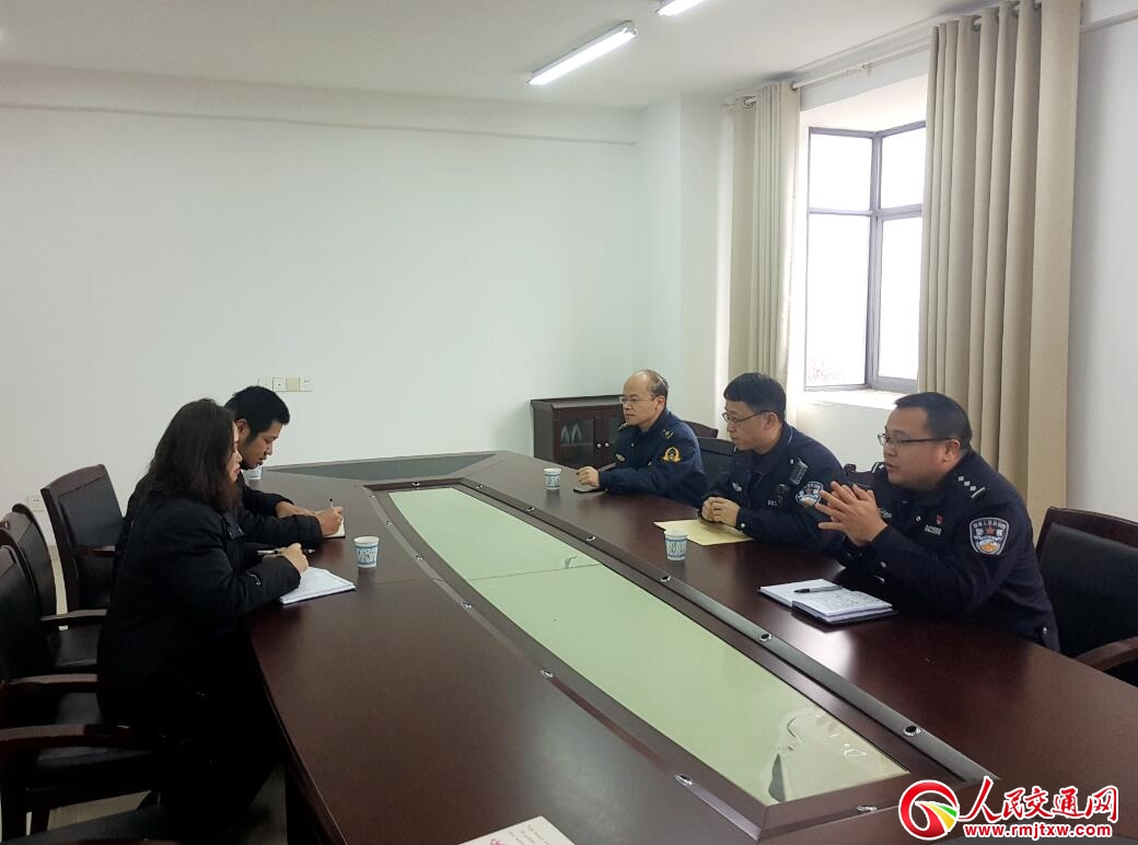 江西萍乡高速路政支队二大队狠抓省界收费站超限车辆路面通行管控工作