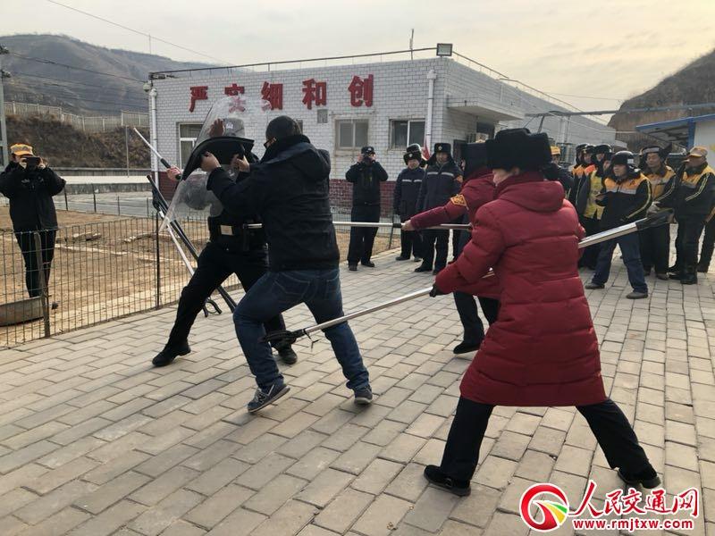 陕西延安铁路公安处黄陵站派出所积极开展冬季反恐处突应急演练