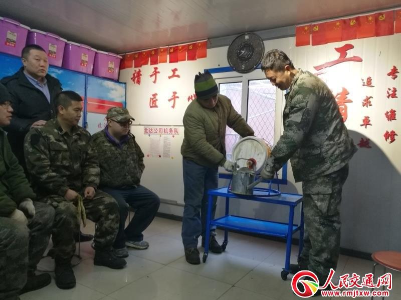 他把青春献公交——北达汽车机务队修理班赵国辉