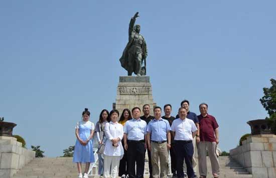 中国小康建设研究会赴辽沈战役纪念馆开展主题教育活动