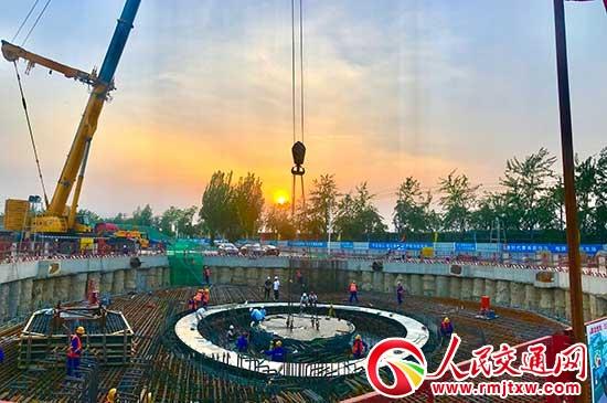 河北保定乐凯大街横跨京广铁路大桥建设创两项世界第一