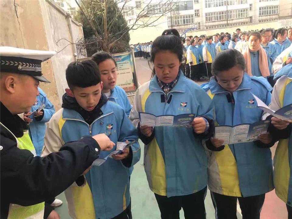 【守规则、除隐患】市直交警七大队深入辖区学校进行交通安全宣传活动