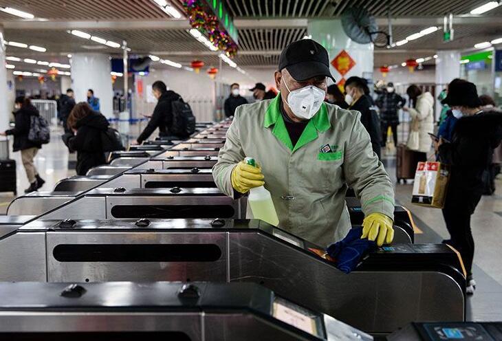 """北京交通全面保障让群众""""放心出行"""":测温、消毒、通风"""