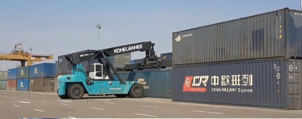 满洲里口岸中欧班列开行逆势增长 成特殊时期稳定国际供应链重要支撑