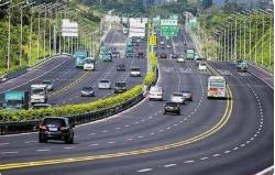 国办: 鼓励地方回购收费公路收费权 对车辆实行免费通行