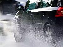 """""""高温""""""""大雨""""天气频发 安全行车勿忘必备小窍门"""