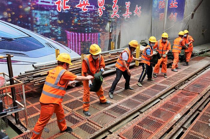 人民交通|武汉地铁16号线开展防洪抢险应急演练
