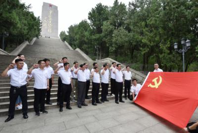 中铁上海局郑济铁路(山东段)工程项目部  不忘初心使命  争做合格党员