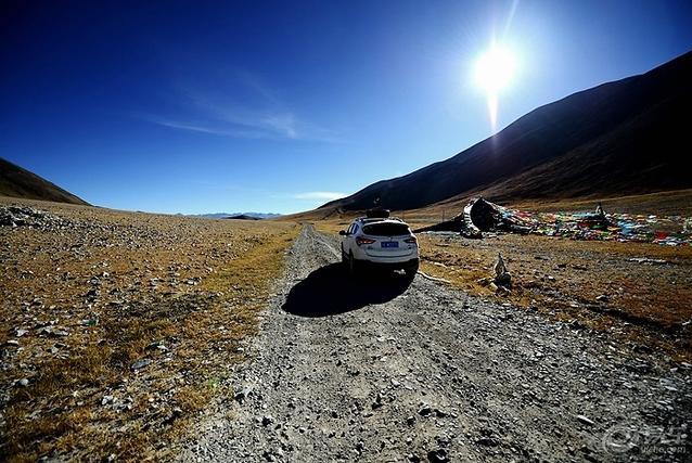 为何很多人前往西藏选择自驾游,而不是乘坐飞机火车?