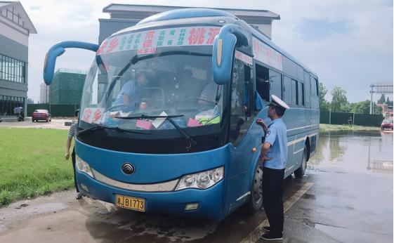 湖南安乡交警全面开展农村公路违法超员和违法载人专项整治