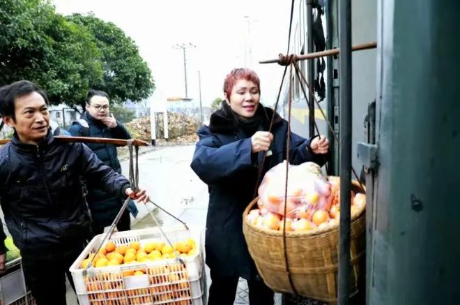 坐火车跨省卖橘子划不划算?老乡说了算!