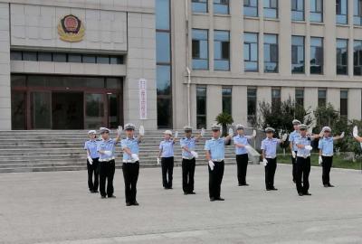 山东长岛交警:党建带队建 忠诚保平安