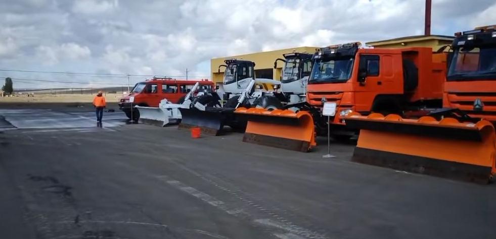 额敏公路管理分局冬季防风雪车辆检修保养与培训