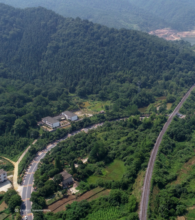 江西省新余市396个建制村全部实现通客车