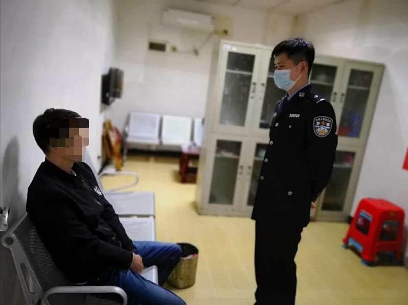 湖北黄石:车辆拒检还用车头顶民警  涉案驾驶员已被刑事拘留