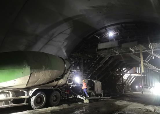 重庆:两江隧道二衬浇筑完成