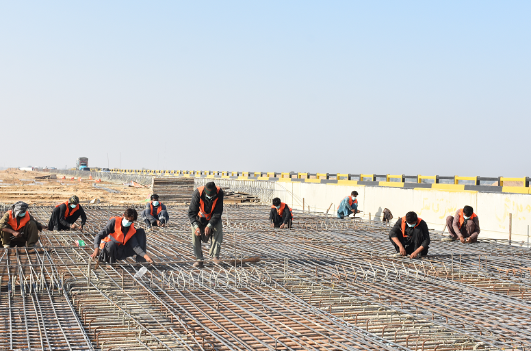 巴基斯坦N55公路项目完成架梁工作