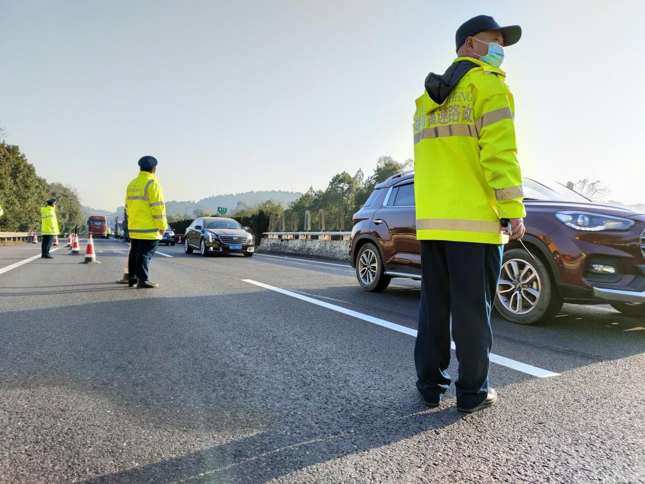 湖南高速集团永州分公司再次成功护航大件运输