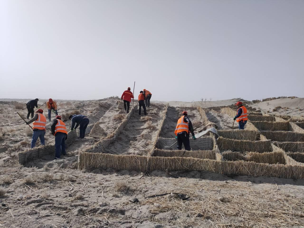 喀什公路管理局麦盖提分局春季公路养护全面展开