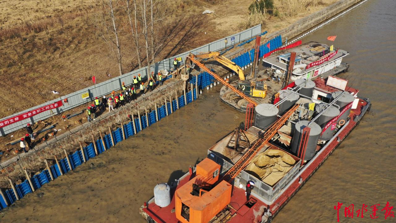 """""""配角""""变""""主角"""" 运泵一体船首次成为水运工程主力"""
