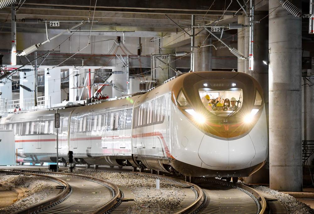 粤港澳大湾区时速160公里地铁开始热滑试验