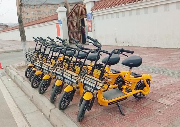 阿坝县:松果共享电单车助力便捷、绿色出行