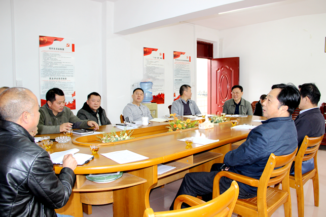 广西:区驻交通厅纪检监察组到隆林调研