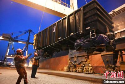 几内亚至中国海上班轮航线运量创新高